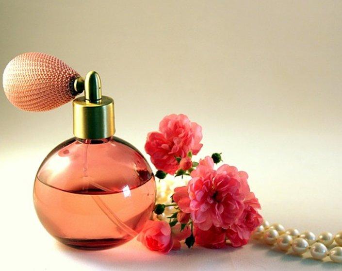 5 Great Perfumes To Make Every Latina Feel Beautiful | Hermosaz